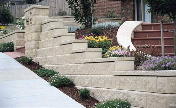 retaining wall - step up